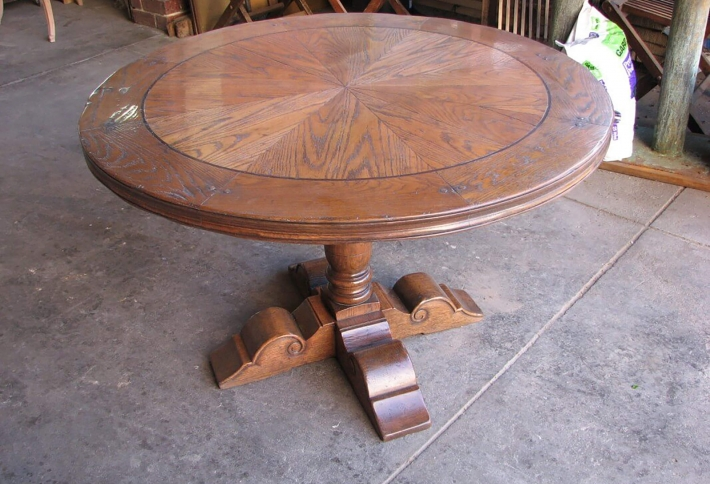 French Style Circular Parquetry Dining Table – Baluster Support