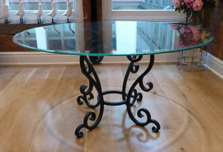 French style Iron Base Circular Dining Table